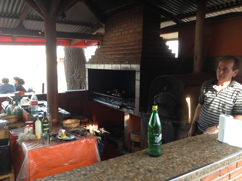 """Parilla (""""parri-sha"""" here) means grill. Oh yes, it does."""